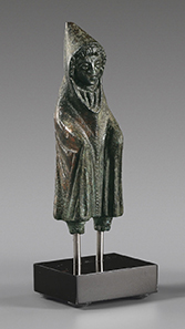 271 Bronze figure of Telesphoros. Roman Imperial Period, 2nd to 3rd cent. AD. Estimate: 500 Euro. Final Price: 2.360 Euro
