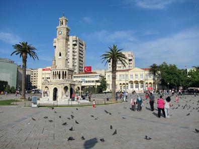 Konak Square. Photo: KW.