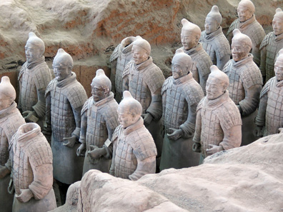 Group of soldiers of the terracotta army of Emperor Qin Shi Huangdi in his tomb of Xi'an. Photograph: Nee / Wikipedia. CC 3.0