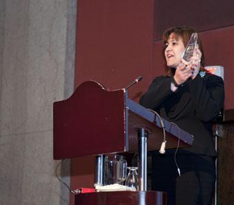 Senora Katya Daura, receives the award.