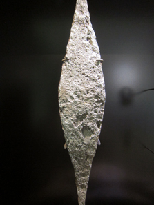 Iron bar from a hoard dating to the 2nd/1st centuries B. C., Uttenweiler, Biberach district. Photograph: KW.
