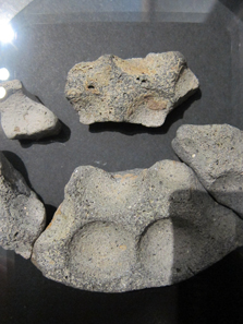 Tüpfelplatte, gefunden in Gerlingen, Kreis Ludwigsburg, 2./1. Jh. Foto: KW.