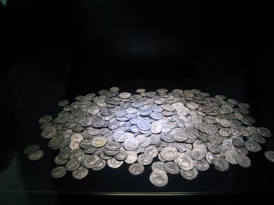 Treasure trove of Köngen, Esslingen district, 3rd cent. A. D. Photograph: KW.