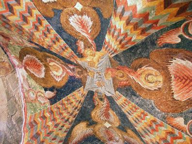 Die kostbaren Deckenmalereien benötigen konservatorische Betreuung. Foto: Alaexis / http://creativecommons.org/licenses/by-sa/3.0/deed.en