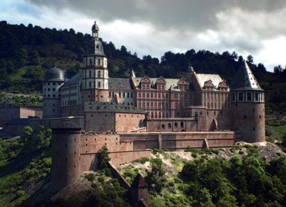 Rekonstruktion Heidelberger Schloss - vor der Zerstörung. Von einigen kriegsbedingten Unterbrechungen abgesehen residierten die Wittelsbacher - die Pfalzgrafen bei Rhein - bis ins frühe 18. Jahrhundert auf dem Heidelberger Schloss. © CES / FaberCourtial.