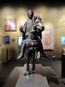 Reiterstatue Karls des Großen aus Bronze, für den Dom zu Metz hergestellt unter Karl dem Kahlen (843-877). Bronzereplik. Louvre / Paris. Foto: UK.