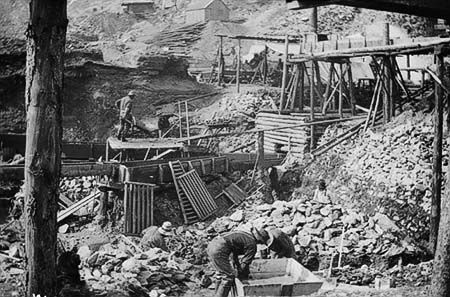 Klondike mining camp, prospectors at work
