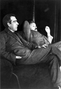 Niels Bohr and Albert Einstein. The picture was taken at Ehrenfest's home in Leiden, the occasion was most likely the 50th anniversary of Hendrik Lorentz' doctorate (December 11, 1925). Photo: Paul Ehrenfest / Wikicommons.