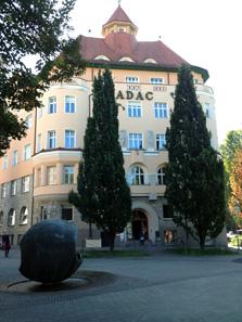 Die neue Niederlassung der Degussa im Nürnberger ADAC-Haus.