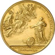 359: RDR. Karl VI., 1711-1740. Goldenes Medaillon zu 27 Dukaten 1716 von P. Roettiers auf die Geburt des Erzherzogs Leopold, geprägt im Auftrag von Brügge. Kenis 3. Vermutlich 2. bekanntes Exemplar, einziges Exemplar im Handel. Vorzüglich bis Stempelglanz. Schätzung: 30.000 Euro.
