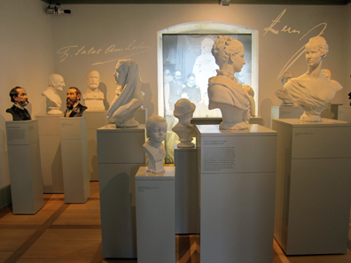 Plaster heads, Producing them was a lucrative business model in the 19th cent. Photo: KW.