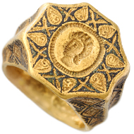 Gold ring, late 12th - first half of 13th century. National Archaeological Museum, Athens.