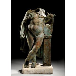 295: OBJEKTE AUS METALL Erosstatue. Bronzehohlguß, Details in Kaltarbeit ausgeführt. Taxe: 23.000 Euro.