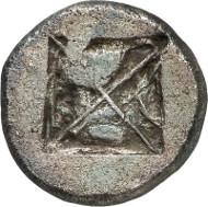 No. 102. Potideia (Macedonia). Tetradrachm, c. 500-480 B. C. Rare. One of the finest preserved specimens. Very fine to extremely fine. Estimate: 20,000 euros.