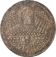 No. 5333: VATICAN. Paul II, 1464-1471. Cast bronze medal n. d. (1466) on the consistorium of 23 December 1466. Modesti 95. From Künker 110 (2006), 3197. Very rare. Very fine. Estimate: 5,000 euros.