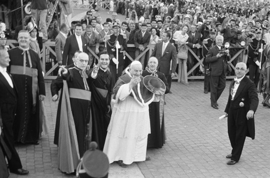 Olympische Spiele in Rom, Papst Johannes XXIII. segnet die Teilnehmer der Spiele, 1960. Quelle: Nationaal Archief Fotocollectie Anefo / http://creativecommons.org/licenses/by-sa/3.0/nl/deed.en