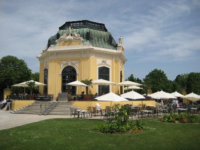 Kaiserpavillon at Tiergarten Schönbrunn. Aconcagua/ http://creativecommons.org/licenses/by-sa/3.0/deed.en.