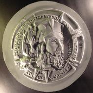 Die extrem hochreliefierte Medaille wird in Kupfer und Silber in zwei Größen ausgeprägt: Kupfer 68 mm mit ca. 400 g, Tombak 40 mm mit ca. 50 g. Einzelnummerierung am Rand. Signaturen des Medailleurs und des Auftraggebers.