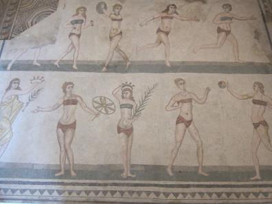 Mosaik der Mädchen im Bikini. Foto: KW.
