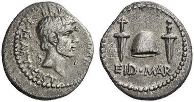 373: M. Iunius Brutus, + 42. Denar, 42, mobile Feldmünzstätte in Kleinasien oder Griechenland. Cr. 508/3. Äußerst selten. Fast vorzüglich. Schätzung: 40.000 Euro.