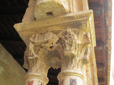 Capital in the cloister of Monreale. Photo: KW.