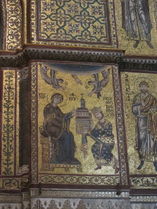 Mosaic in the cathedral interior: William II hands the cathedral over to the Virgin Mary. Photo: KW.