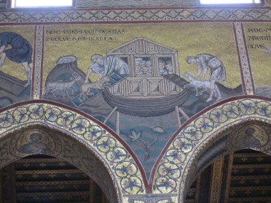 Mosaic in the cathedral's interior: Noah's Ark. Photo: KW.