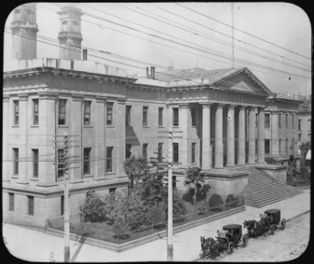 Photograph of the San Francisco Mint, c.1900. Source: Wikicommons.