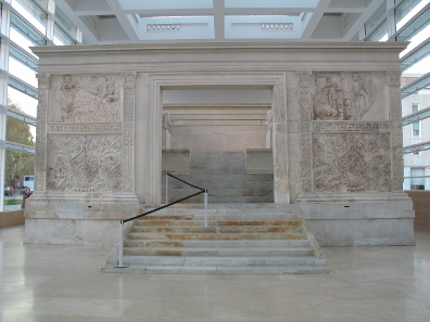 Full frontal view of Ara Pacis, with the entrance to the altar itself. Photo by Chris Nas / http://creativecommons.org/licenses/by-sa/3.0/deed.de