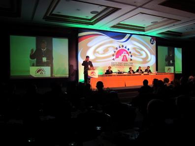 Der alte Präsident der MDC, Gerhard Starsich, CEO der Münze Österreich, begrüßt die Kongressteilnehmer. Er gab sein Amt in Mexiko an Guillermo Hopkins Gámez ab. Foto: UK.
