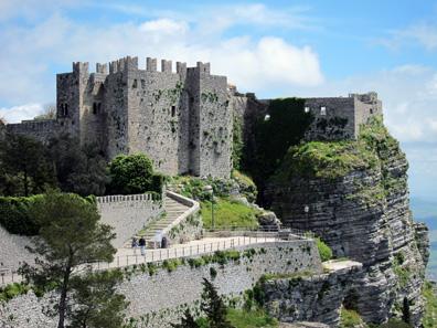 Castello di Venere. Photo: KW.