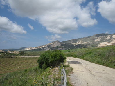 Sicilian road, marked yellow on the road map. Photo: KW.