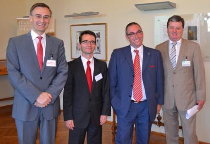 Josef Schuch, Deloitte; Gustav Mayer & Gernot Maier, CEO Schöller Münzhandel; Stefan Augustin, Austrian Nationalbank. Copyright Schoeller Münzhandel.