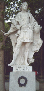 Statue of Alfonso III (c. 848-910) at the Plaza de Oriente in Madrid. Source: Luis García (Zaqarbal) / Wikicommons.