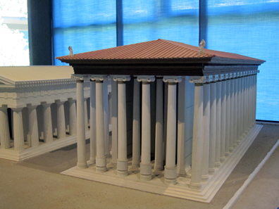 The elegant Ionic temple from 525 BC. Photo: KW.