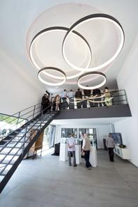 Der Empfangsbereich für Kunden im ersten und zweiten Stock.