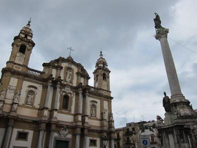 Church of San Domenico, the Pantheon of Sicilian bourgeouisie. Photo: KW.