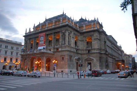 Hungarian State Opera House./ Photo: PDXdj/ http://creativecommons.org/licenses/by-sa/3.0/deed.en.