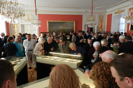 After the opening ceremony the exhibition was immediately filled with interested visitors. Photo: M. Adamowicz jr.
