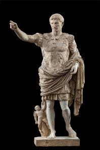 Statue des Augustus (63 v. Chr.-14 n. Chr.) aus der Villa der Livia bei Prima Porta (nördlich von Rom); Marmor; H 209 cm; Kopie nach einem Bronzewerk um 20-17 v. Chr.; Rom, Musei Vaticani (Original); Abguss SH 752. © Foto: Skulpturhalle Basel.