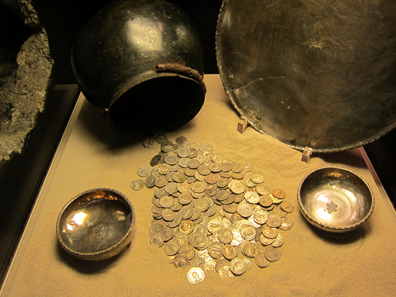 The coin hoard of Niederbieber. Photo: KW.