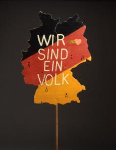 Berlin demonstration banner/placard, Germany 1989. © Deutsches Historisches Museum.