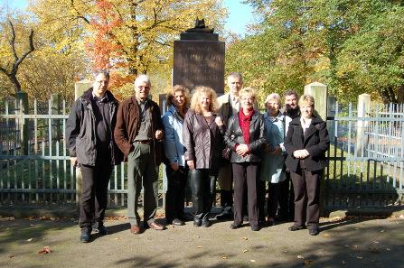 Staff of the Münzkabinet janting in 2008 (from right to left: Elke Bannicke, Norbert Kneidel, Gisela Stutzbach, Ingrid Feist, Bernd Kluge, Viola Gürke, Regina Boreck, Wolfgang Steguweit, Bernhard Weisser. Photo: private.