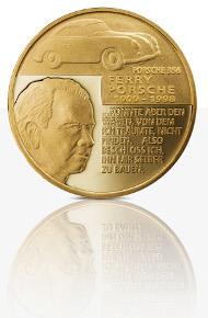 Die neue Porsche-Medaille in Feingold.