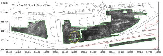 Georadarbild der römischen Zivilsiedlung von Schlögen (Tiefe 104-128 cm), in der Mitte zeichnen sich die Strukturen des Badegebäudes deutlich ab. © Posselt & Zickgraf Prospektionen GbR, Marburg, 2013.