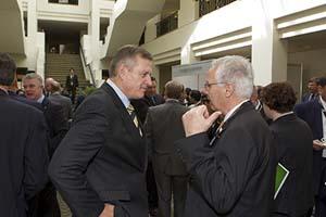 Zwanglose Gespräche in den Pausen. Image courtesy of MDC 2010
