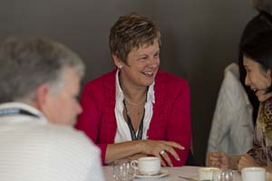 Informal discussions during tea breaks. Image courtesy of MDC 2010
