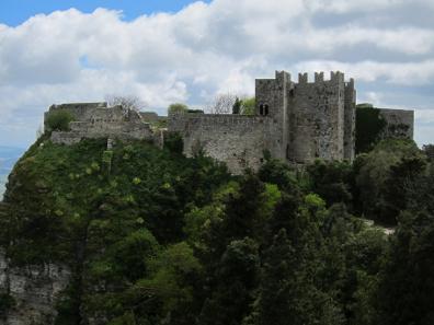 Das Heiligtum der Aphrodite von Eryx, im Mittelalter zu einer Festung ausgebaut. Foto: KW.