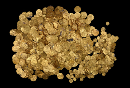 The Fatimid coin hoard. Photograph: Clara Amit. Courtesy of the Israel Antiquities Authority.