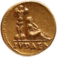 Vespasian (69-79 n. Chr.) Aureus, geprägt in Rom 70 n. Chr. Vs: Büste des Vespasian mit Lorbeerkranz nach rechts Rs: Trauernde Judäa neben einem Tropaium sitzend. © KHM.